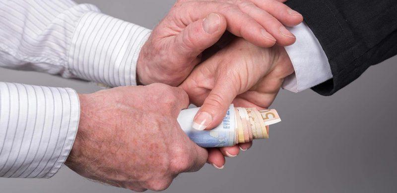 Rahan lainaaminen ystävälle